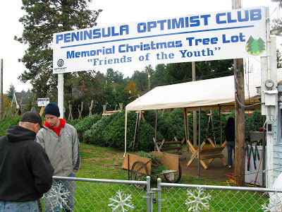 Peninsula Optimist Club Memorial Christmas Tree Lot